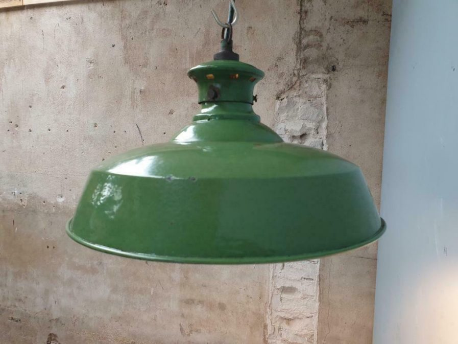Oude emaille lamp groen (1)