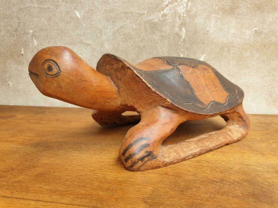 Oude schildpad van hardhout jaren 70 (1)