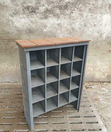 Oude vakkenkast schoenenkast grijze keukenkast (1)