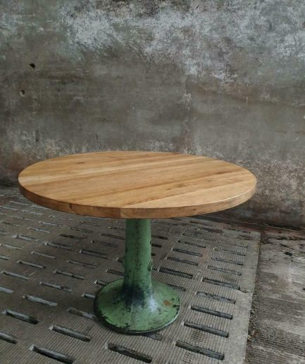 Industrial round table 110 cm oak on green leg