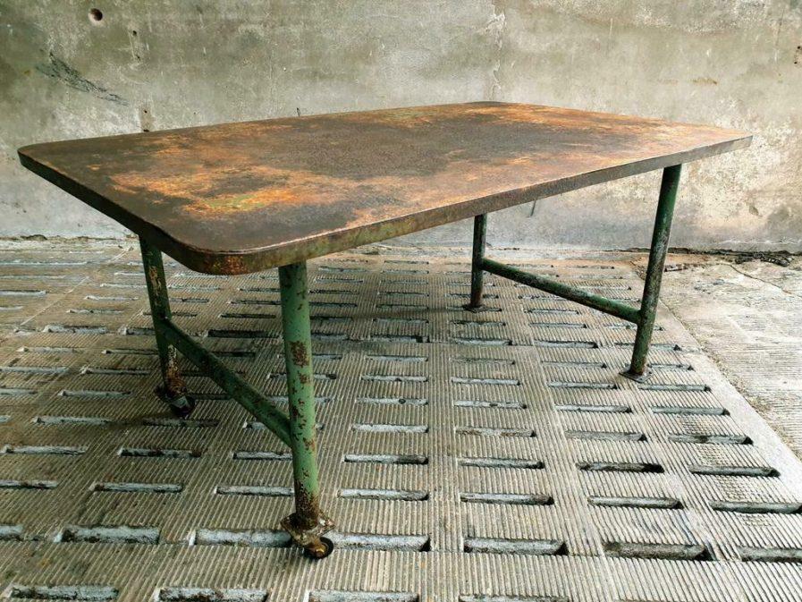 Oude tafel industriële tuintafel ijzer (1)