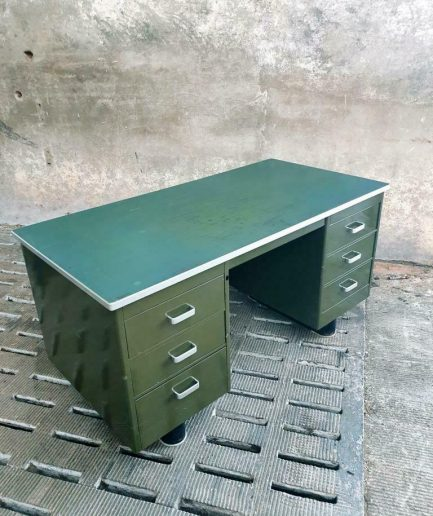 Vintage bureau legergroen Blerk (1)