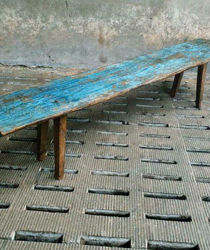 Antieke houten bank blauw brocante zitbank of sidetable (1)